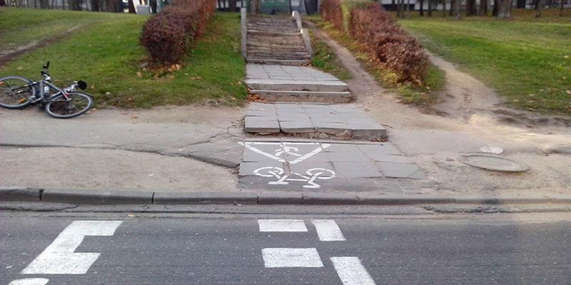 Велопереезд упирается в ступеньки